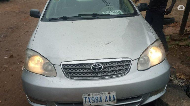 Toyota Corolla 2004-0