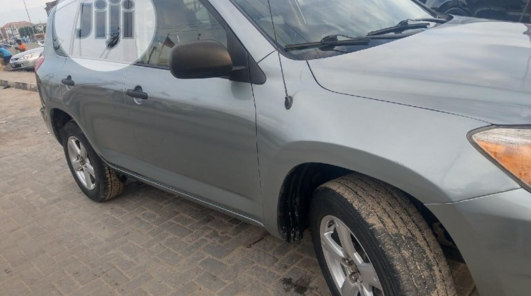 2007 Toyota RAV4 for sale in Lagos-3